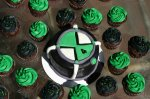 Ben 10 Omnitrix smash cake and cupcakes