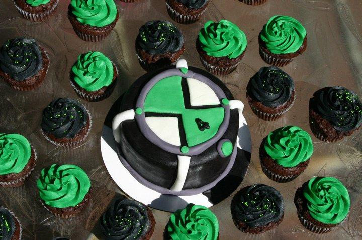 Ben 10 Omnitrix smash cake and cupcakes