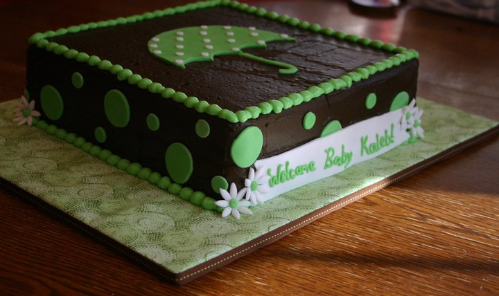 Green umbrella baby shower cake