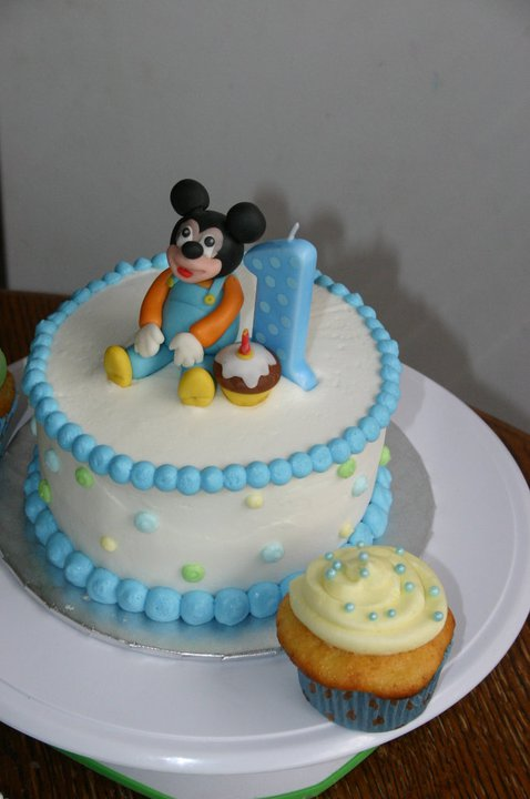 light blue Mickey Mouse 1st birthday smash cake Lolos Cakes Sweets