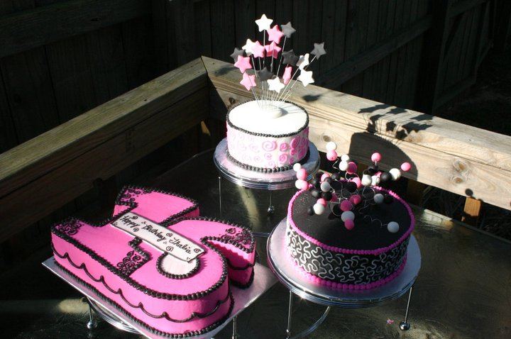 Pink Black And White Sculpted Sweet 16 Triple Cake Lolo