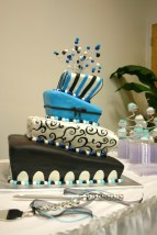 The Amber Blue black and white topsy turvy wedding cake