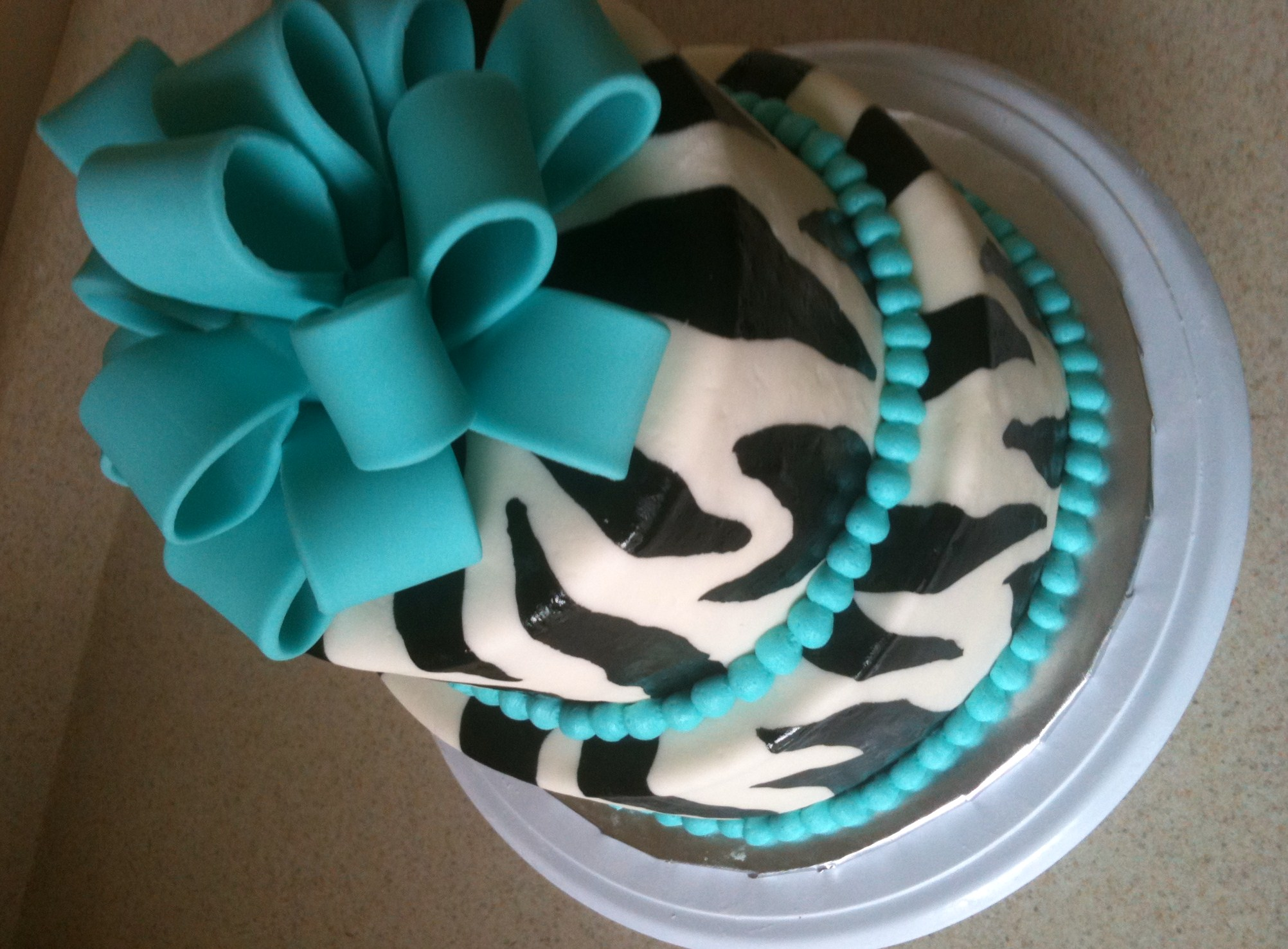 zebra and teal cake 2 Lolos Cakes Sweets