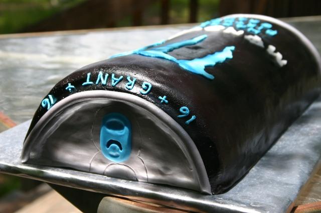 Black and blue monster drink cake