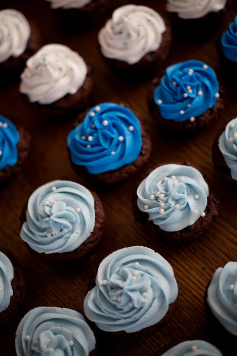 Blue And White Baby Shower Cupcakes Lolo S Cakes Amp Sweets
