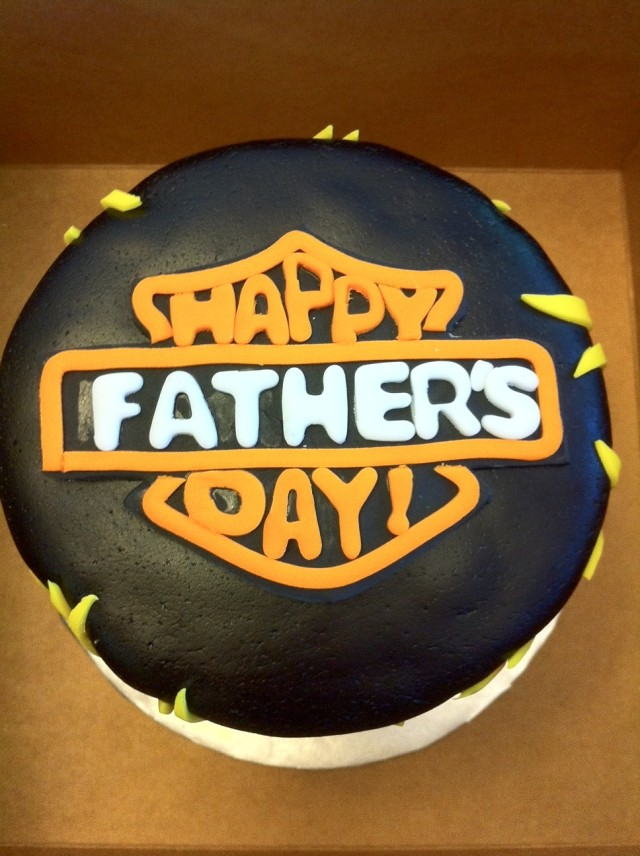Harley Davidson Father's Day cake top view