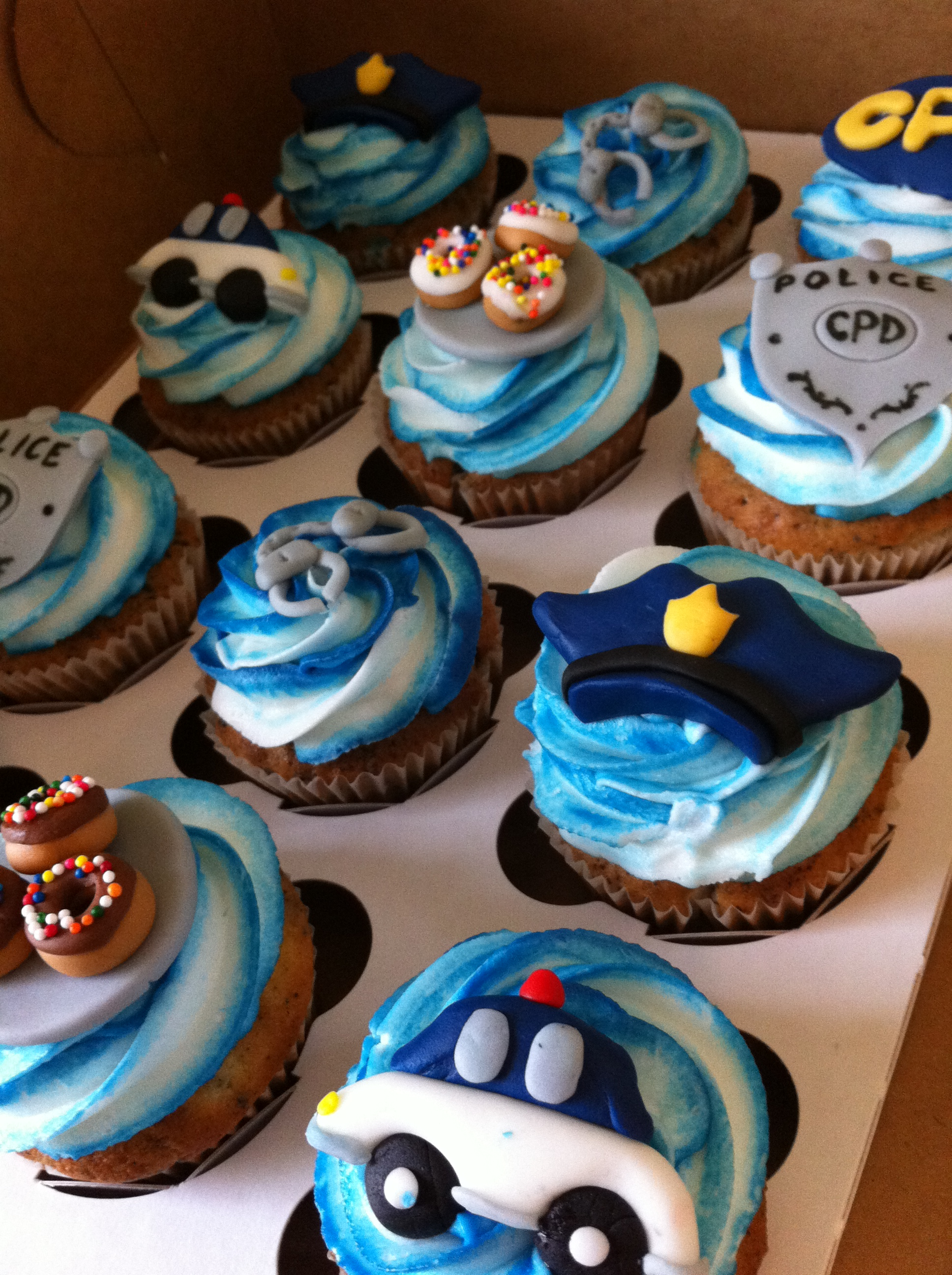 Cake Decorations For Police Cake : Police themed cupcakes Lolo s Cakes & Sweets