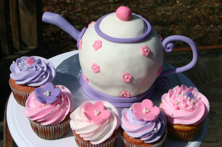 pink and purple sculpted tea pot and cup cakes