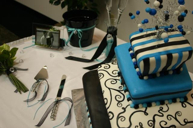 The Amber topsy turvy wedding cake