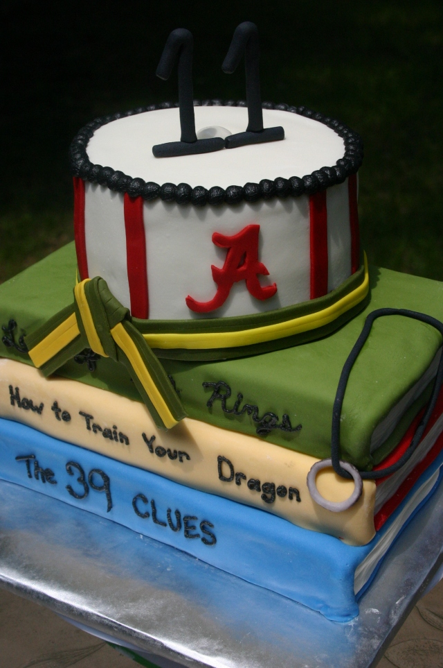 Alabama books birthday cake