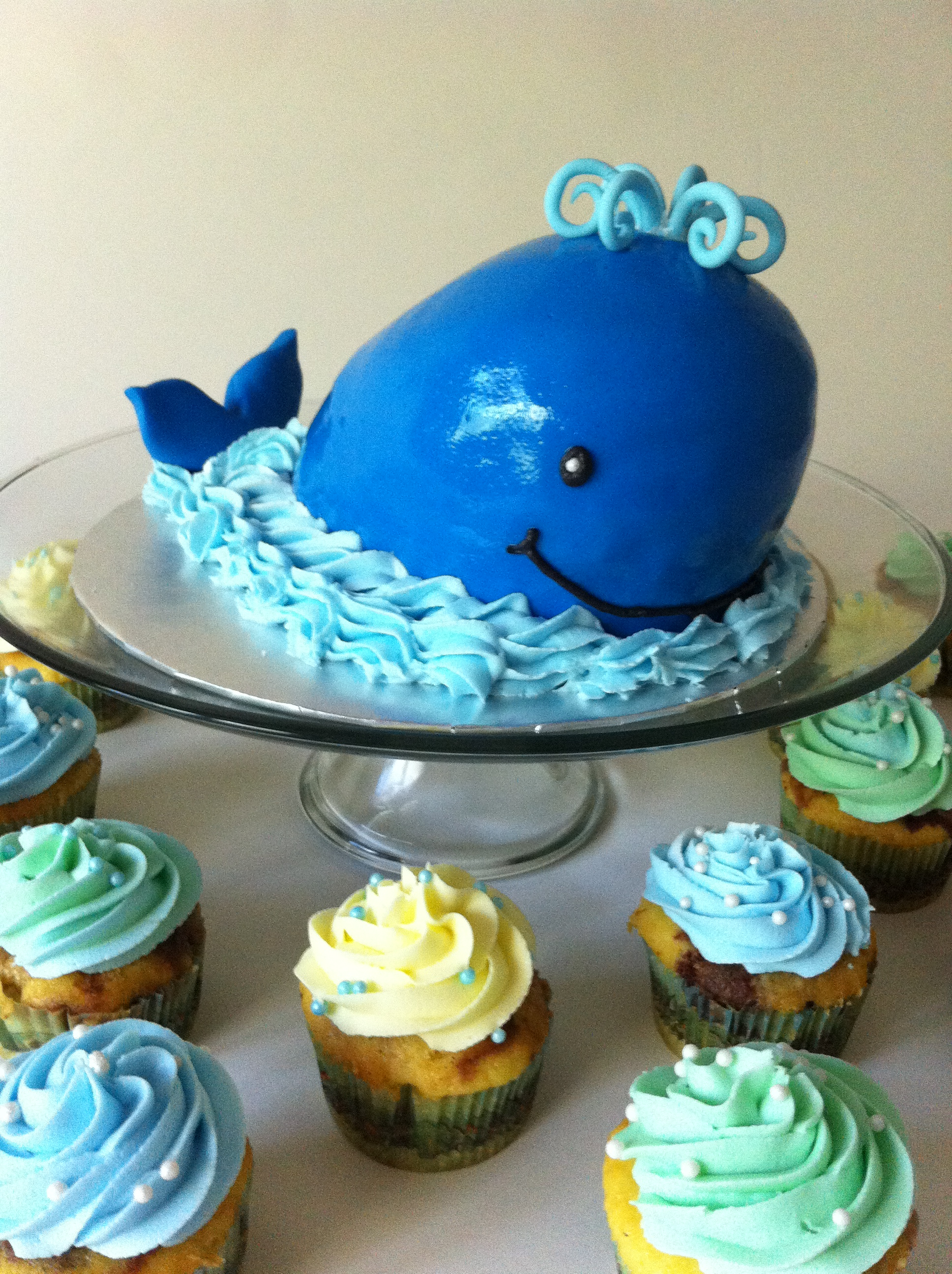 A Whale Of A 1st Birthday Smash Cake Lolo S Cakes Amp Sweets