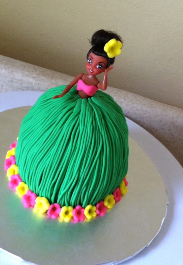 Hawaiian hula girl mini birthday cake