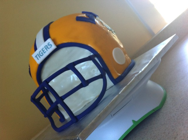 3D LSU football helmet cake