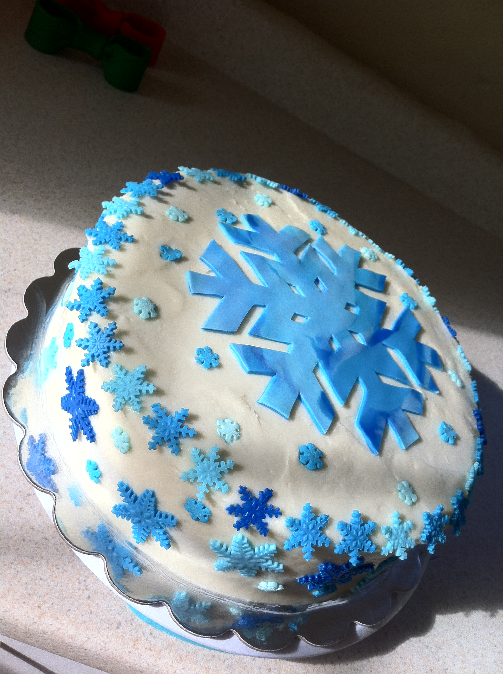 Snowflake Christmas Cake Images : Snowflake Cakes Lolo s Cakes & Sweets