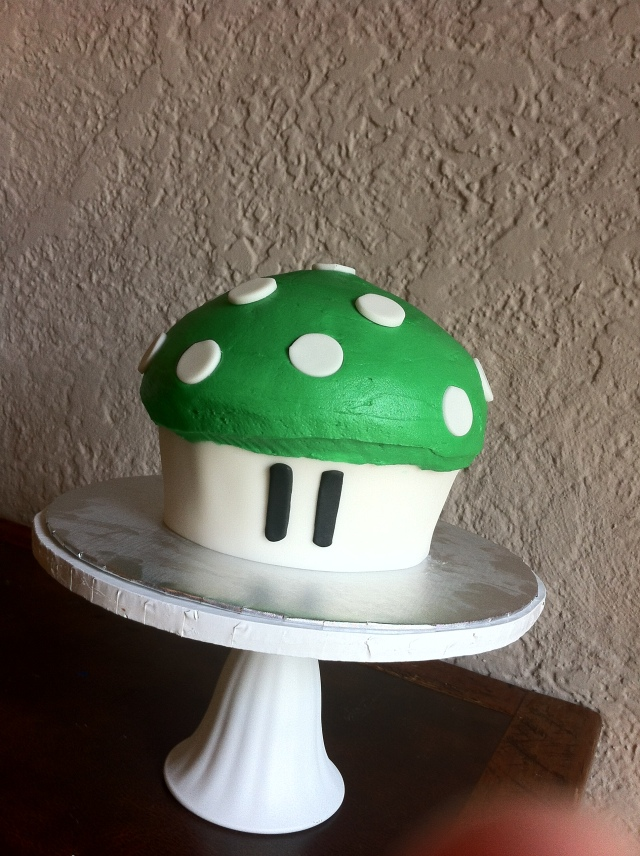 Super Mario Smash 1up green mushroom cake