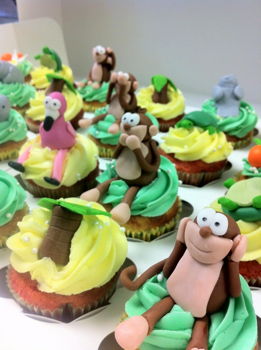 See no evil, hear no evil, speak no evil cupcakes