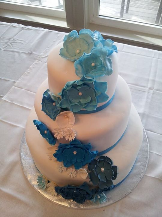 """""""Kimberly"""" Classic cake with blue and white flower swag (20+ flowers)"""