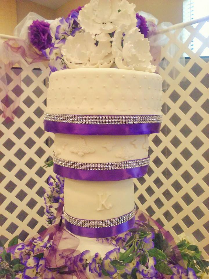 Lolo\'s Cakes & Sweets | Custom cakes & cupcakes for your wedding ...