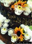 Country Chic wedding cupcakes